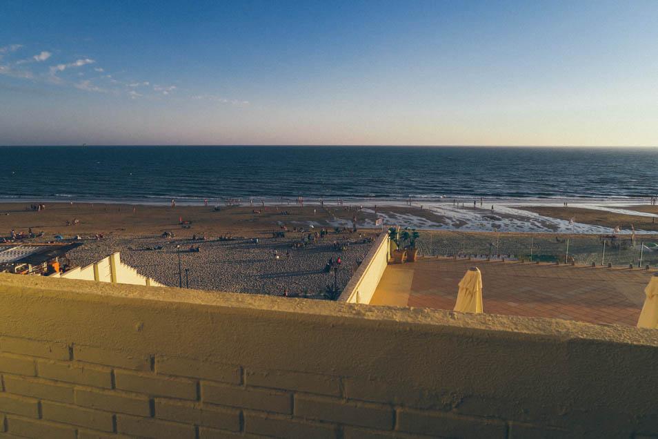 Vue de l'hôtel à la plage de Matalascanas